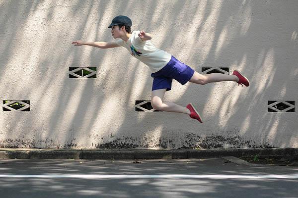 levitation photo portraits by natsumi hayashi 12 Levitation Portraits by Natsumi Hayashi