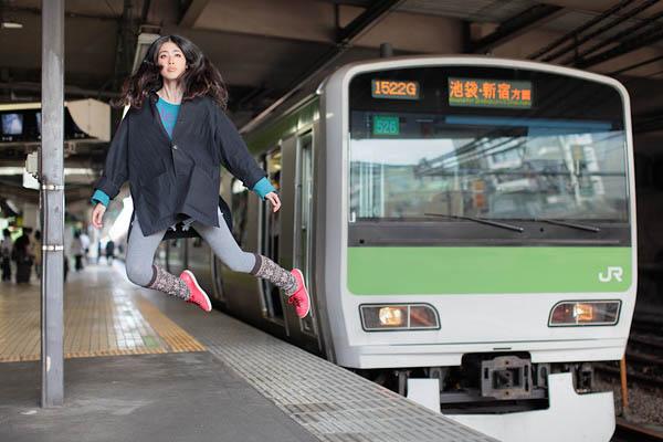 levitation photo portraits by natsumi hayashi 16 Levitation Portraits by Natsumi Hayashi