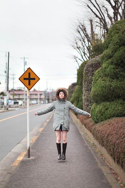 levitation photo portraits by natsumi hayashi 17 Levitation Portraits by Natsumi Hayashi