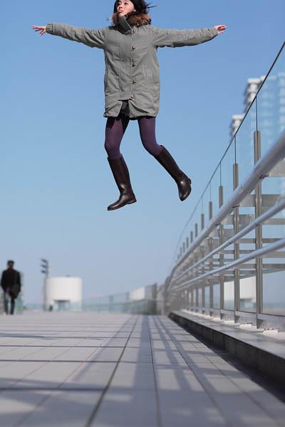 levitation photo portraits by natsumi hayashi 2 Levitation Portraits by Natsumi Hayashi