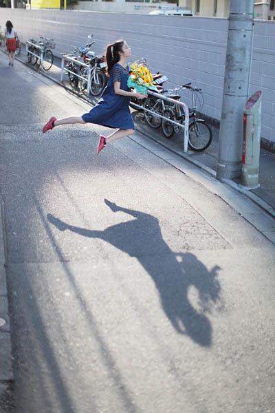 levitation photo portraits by natsumi hayashi 6 Levitation Portraits by Natsumi Hayashi