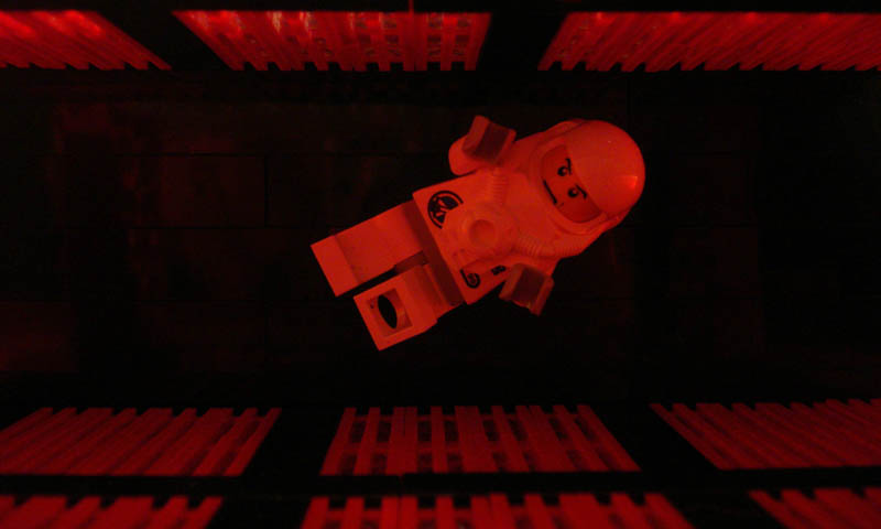 recreating movie scenes from lego alex eylar 2001 a space odyssey Recreating Famous Movie Scenes with Lego