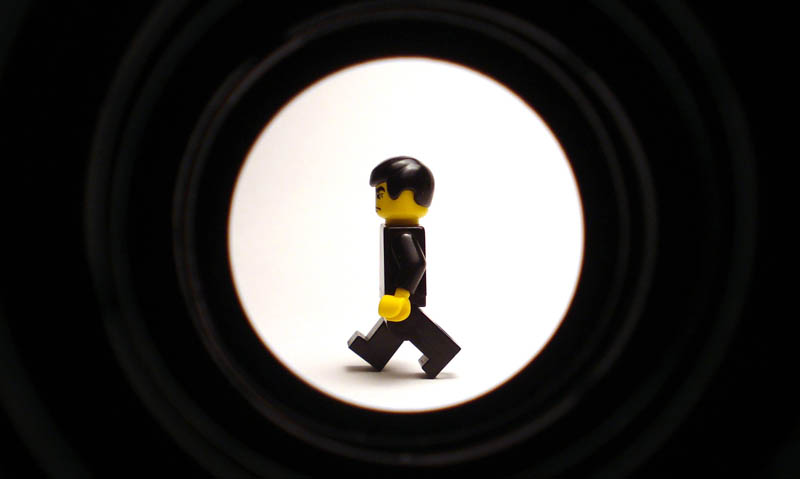 recreating movie scenes from lego alex eylar james bond Recreating Famous Movie Scenes with Lego