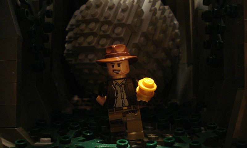 recreating movie scenes from lego alex eylar raiders of the lost ark Recreating Famous Movie Scenes with Lego