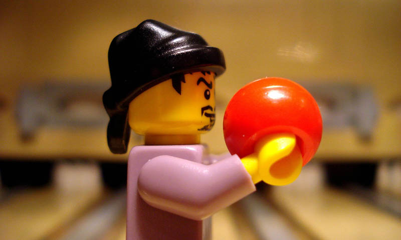 recreating movie scenes from lego alex eylar the big lebowski Recreating Famous Movie Scenes with Lego