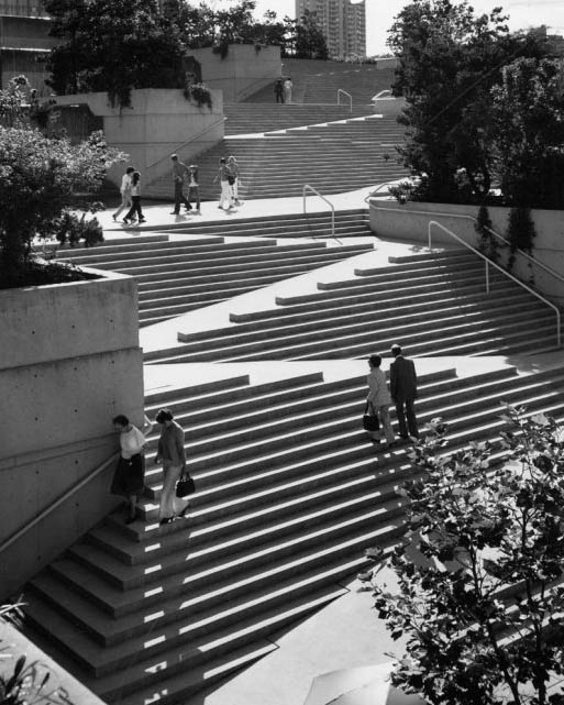 Etonnant Aerial View Of Robson Square Steps And Ramps In Vancouver Canada