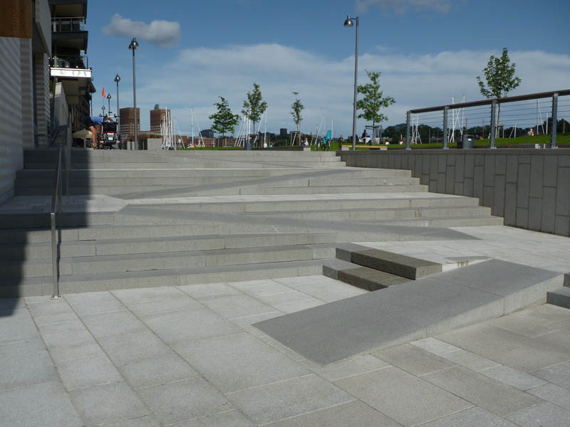 ramp blended into stairs in oslo norway