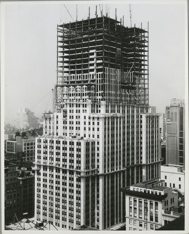 View of the building with about forty stories framed out (1931)