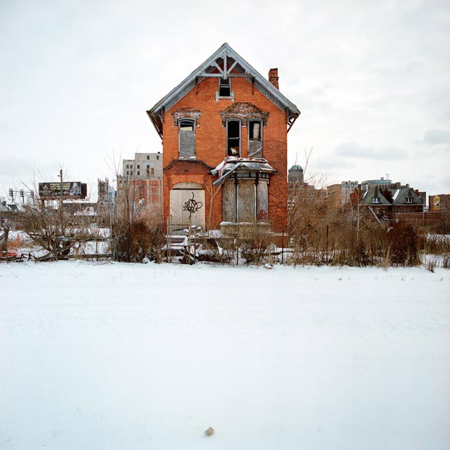 A Tour Of Abandoned Houses In Detroit «TwistedSifter