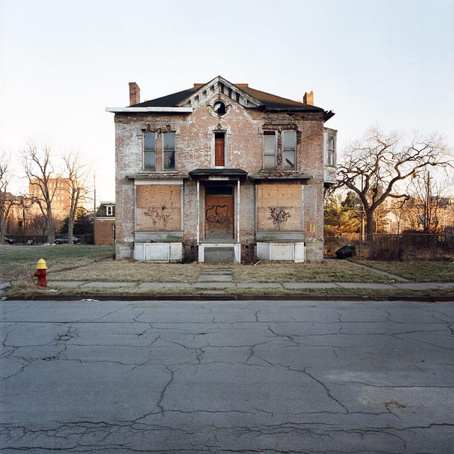 A tour of abandoned houses in detroit twistedsifter for Building a home in michigan