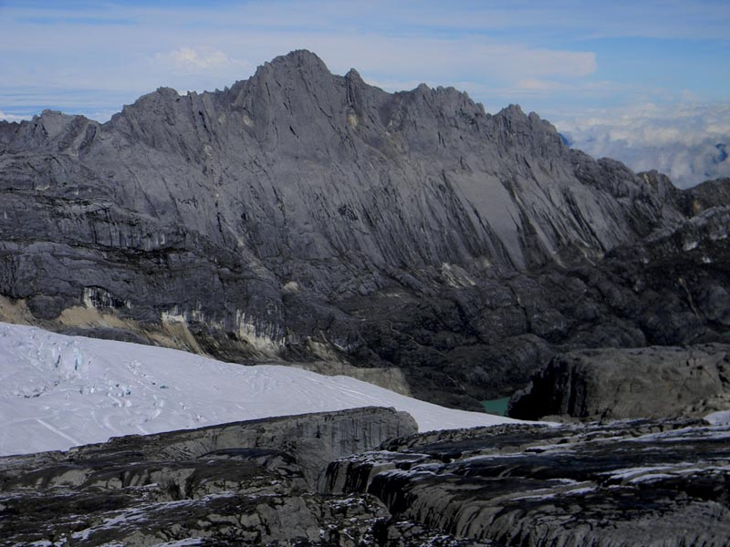 highest point in australia continent Puncak Jaya Carstensz Pyramid paupua indonesia