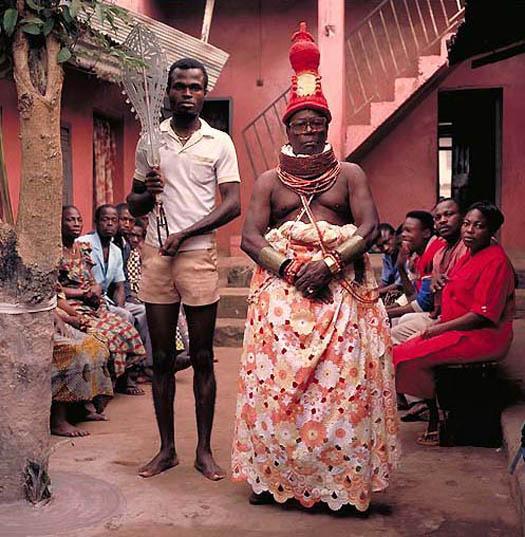 portrait of ISIENWENRO JAMES IYOHA INNEH – Ekegbian of Bénin (Nigeria) by daniel james