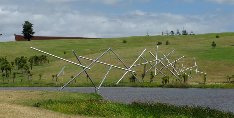 kenneth snelson easy k 1 The Incredible Sculptures of Gibbs Farm