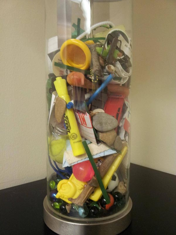 mom fills lamp with everything found in sons pockets while doing his laundry 3 Mom Gives Son Lamp Filled With Items She Found Doing His Laundry Growing Up