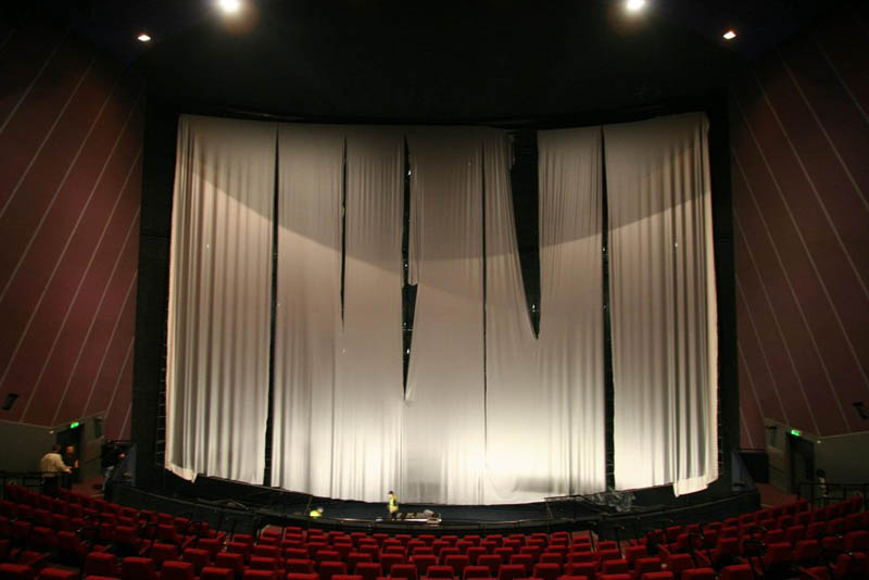Replacing An Imax Screen 44 Pics 171 Twistedsifter