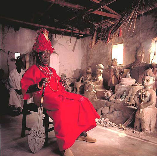 portrait of SALOMON IGBINOGHODUA – Oba Erediauwa of Bénin (Nigeria) by daniel lane