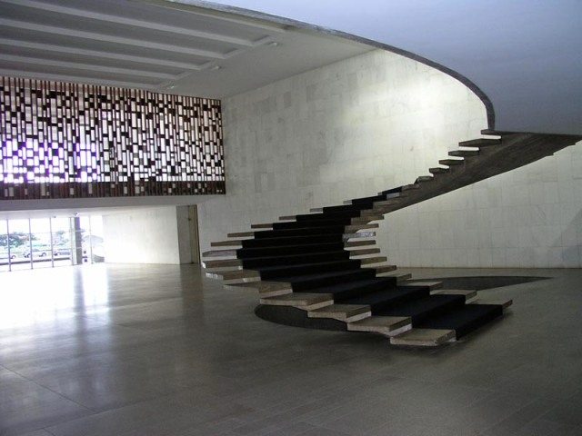 oscar niemeyer brazil foreign ministry staircase