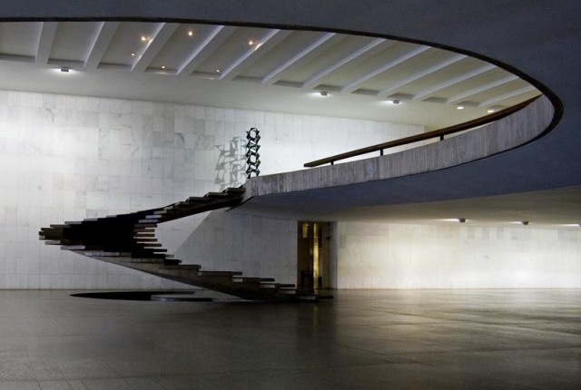 oscar niemeyer brazil foreign ministry staircase