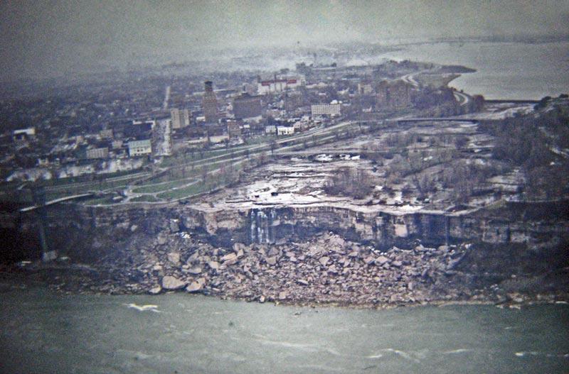 The Day Niagara Falls WentDry