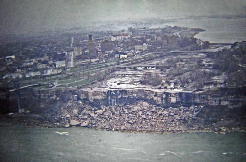 american niagara falls dry de watered 1969 7 The Day Niagara Falls Went Dry