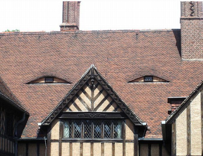buildings with unintentionally funny faces 3 50 Faces in Everyday Objects