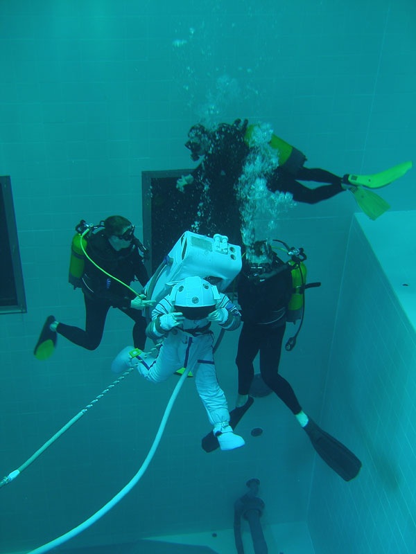 deepest indoor swimming pool in the world 6 The Deepest Indoor Swimming Pool in the World