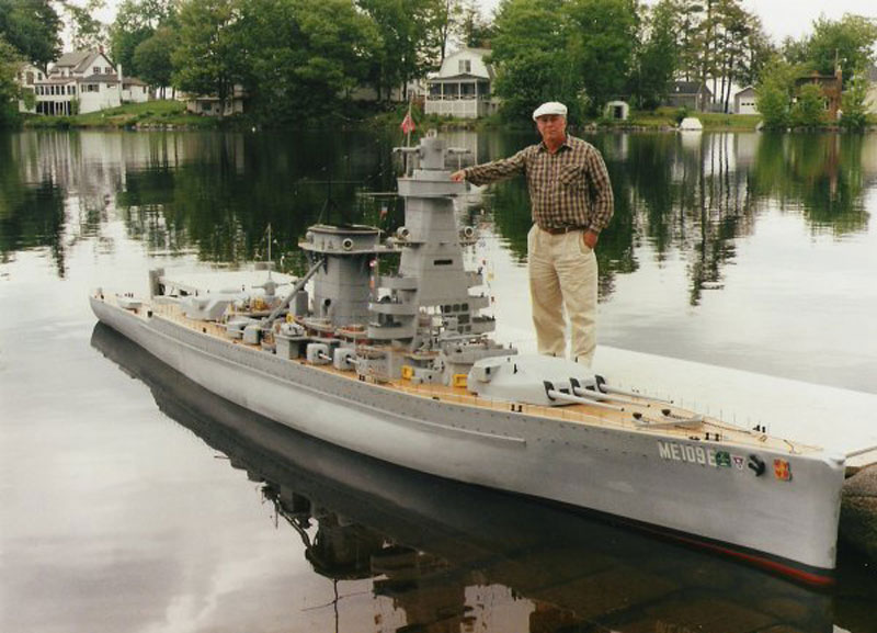 Man Builds 30 ft Model Replica of a Battleship «TwistedSifter