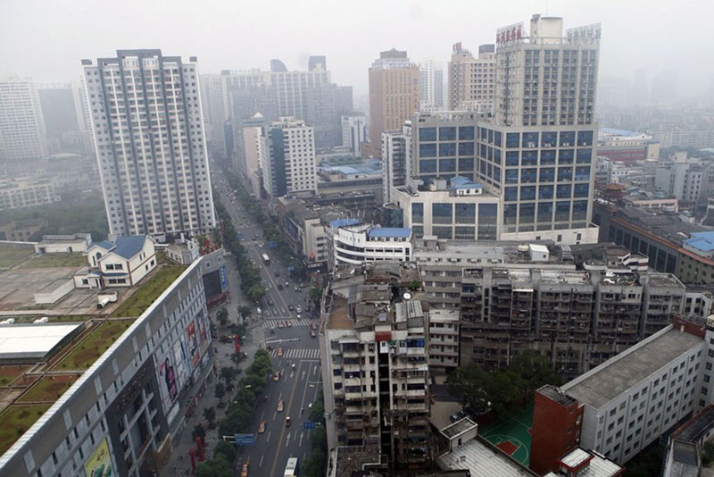 houses built on roof of shopping mall in zhuzhou china 4 Houses Built on Roof of Shopping Mall in China