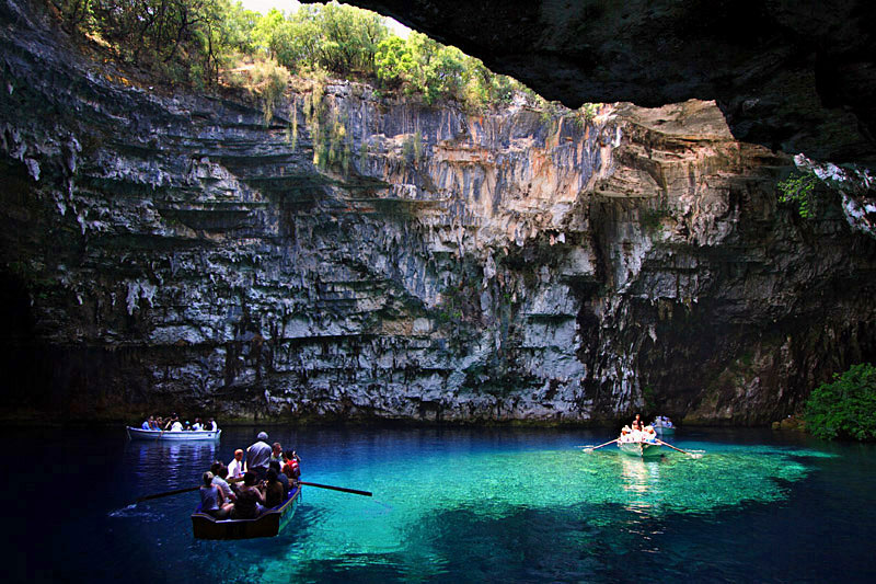 melissani cave kefalonia island greece 1 The Breathtaking Melissani Cave in Greece