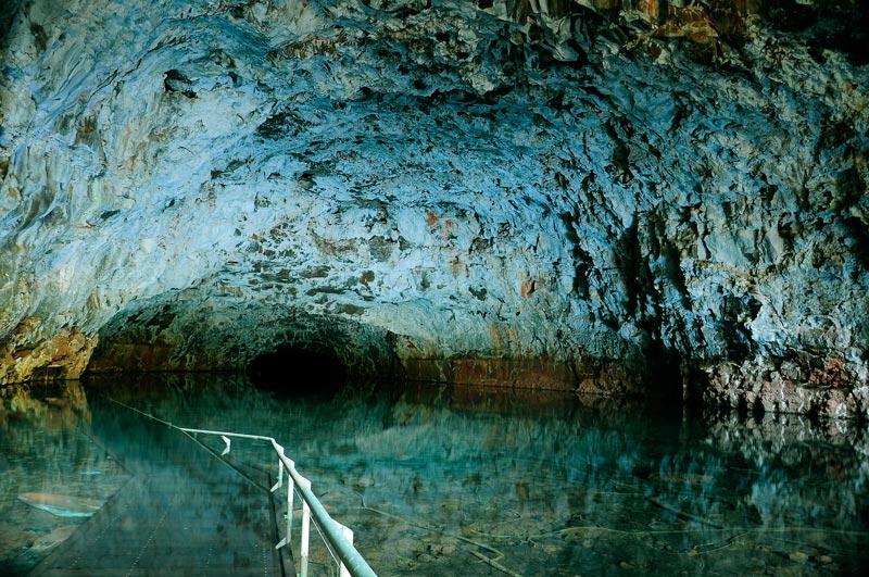undara lava tubes queensland australia 12 Amazing Pictures of Lava Tubes Around the World