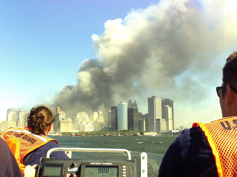 9 11 coast guard boatlift evacaution of manhattan new york city 2 The Largest Sea Evacuation in History