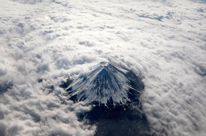 aerial mount fuji from above the clouds Picture of the Day: Mount Fuji From Above