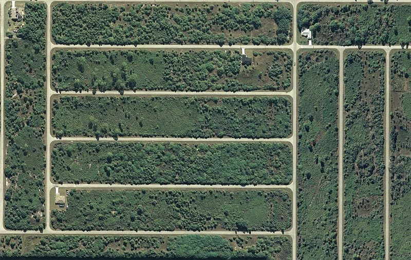 aerial patterns of human housing developments on google maps 11 Patterns of Human Development Found on Google Maps
