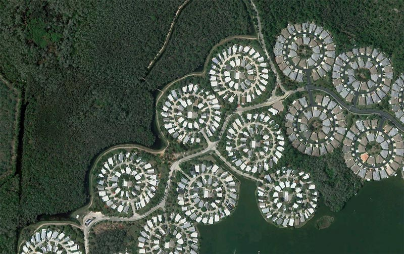 aerial patterns of human housing developments on google maps 2 Patterns of Human Development Found on Google Maps