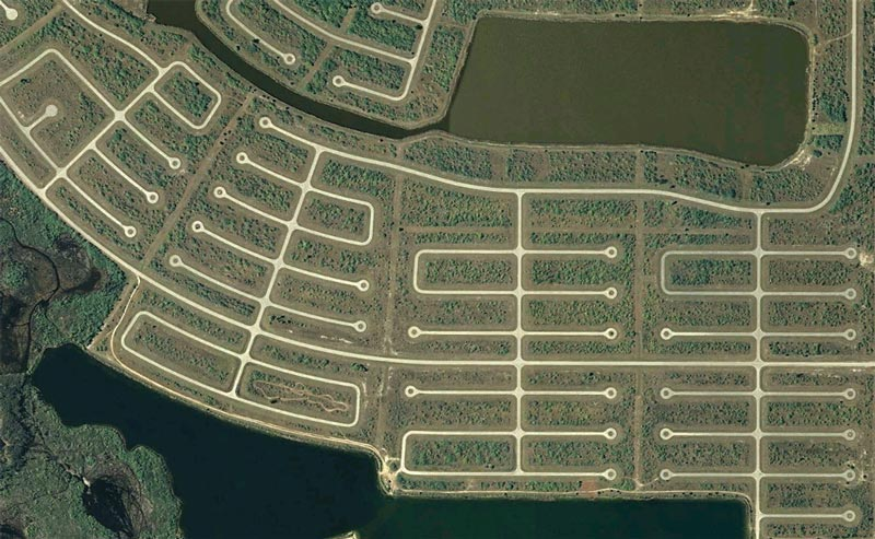 aerial patterns of human housing developments on google maps 7 Patterns of Human Development Found on Google Maps