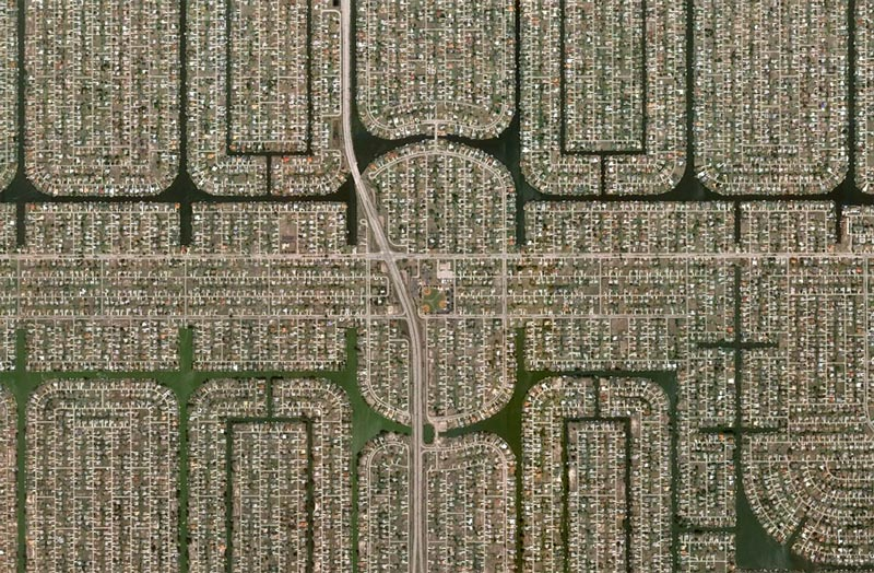 aerial patterns of human housing developments on google maps 9 Patterns of Human Development Found on Google Maps