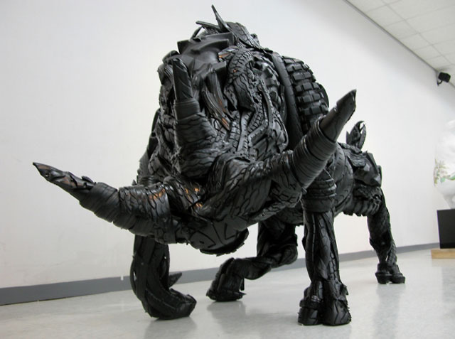 animals made from tires by yong ho ji 10 Animal Sculptures Made from Old Tires