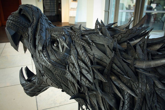 animals made from tires by yong ho ji 14 Animal Sculptures Made from Old Tires