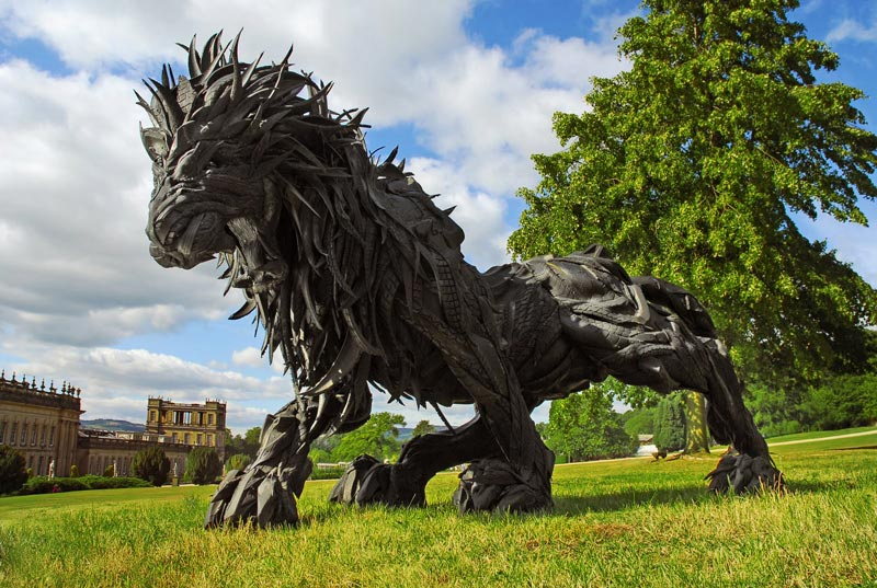 animals made from tires by yong ho ji 16 Animal Sculptures Made from Old Tires