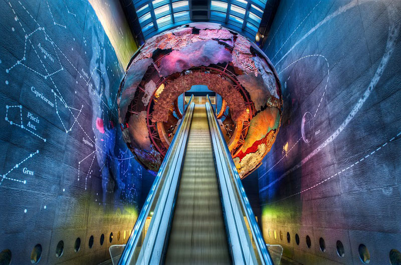 london natural history museum entrance Picture of the Day: Entrance to the Natural History Museum in London