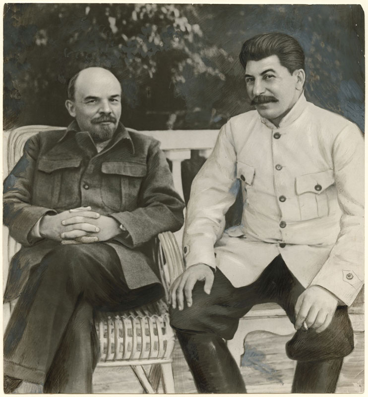 photo manipulation before digital age lenin stalin 15 Photo Manipulations Before the Digital Age
