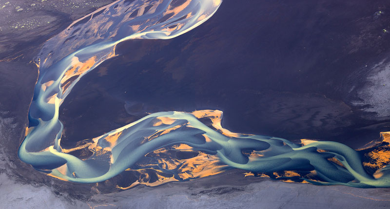 aerial photos of iceland look like abstract landscape paintings andre emolaev 4 Aerial Photos of Iceland That Look Like Abstract Paintings