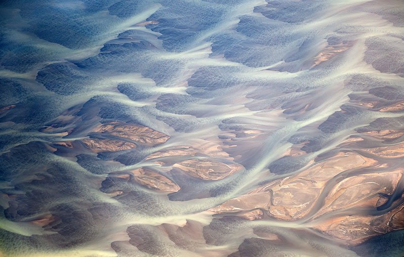 aerial photos of iceland look like abstract landscape paintings andre emolaev 5 Aerial Photos of Iceland That Look Like Abstract Paintings