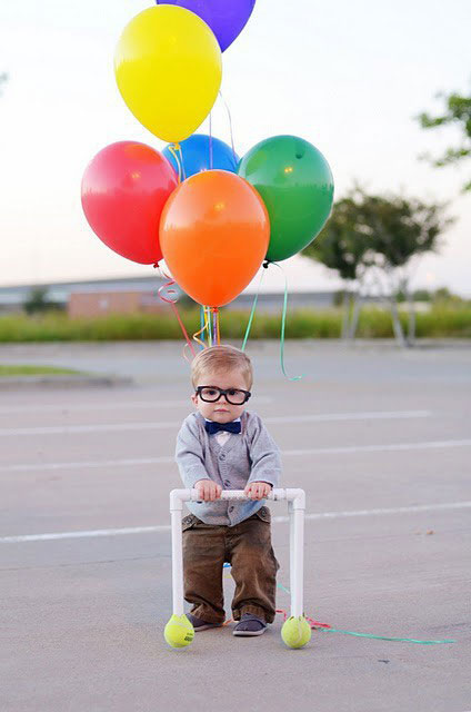 baby carl fredricksen costume 23 Funny and Creative Halloween Costumes