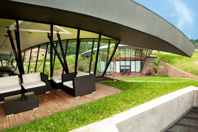 bauen architects hillside home built into landscape paraguay 11 A Unique Hillside Home Built Into the Landscape