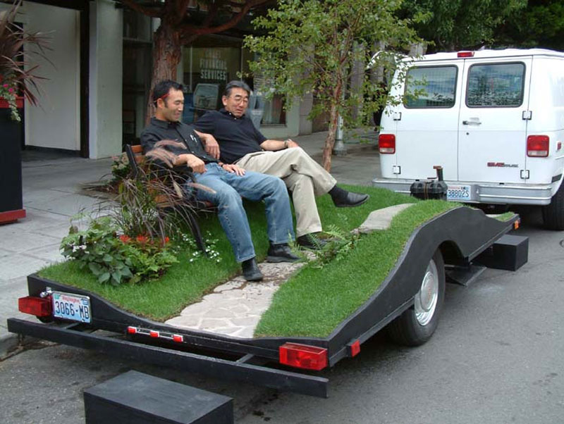 miniature park on a trailer suttonberesculler trailer park 7 Youve Never Seen a Trailer Park Like This [15 pics]