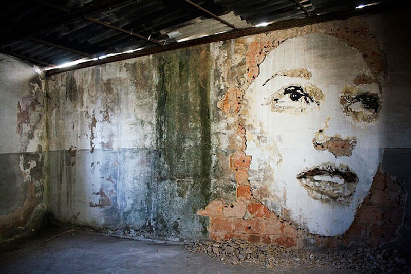 portraits chiseled into walls street art vhils alexandre farto 10 15 Street Art Portraits Chiseled Into Walls