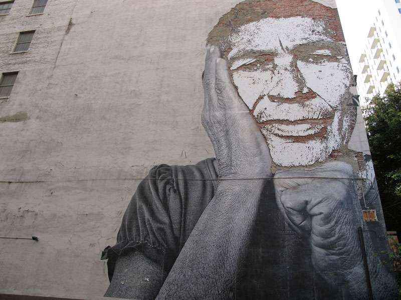 portraits chiseled into walls street art vhils alexandre farto 13 15 Street Art Portraits Chiseled Into Walls