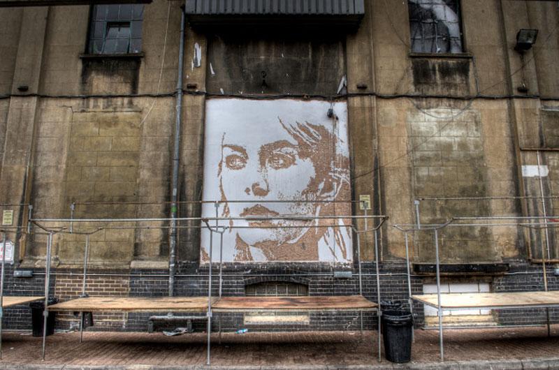 portraits chiseled into walls street art vhils alexandre farto 3 15 Street Art Portraits Chiseled Into Walls