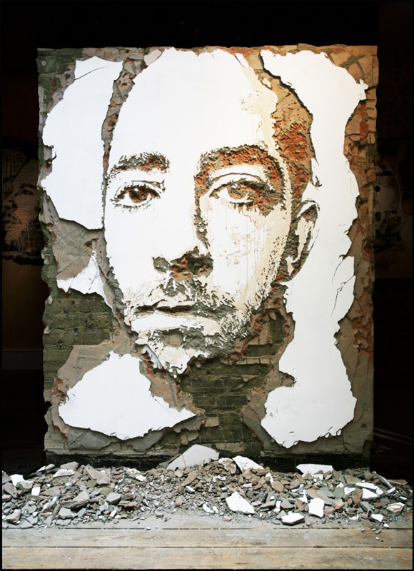 portraits chiseled into walls street art vhils alexandre farto 5 15 Street Art Portraits Chiseled Into Walls